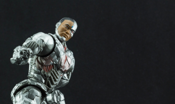 DC Multiverse Cyborg Review (1000 Words or Less)